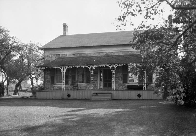 Hamilton Farm House, erected c. 1850 on highway near Pickering, Ontario. July, 1925